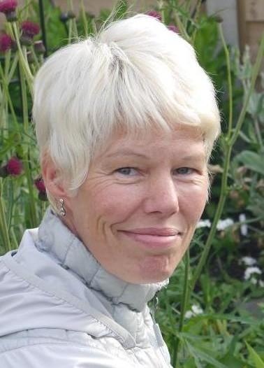 Fiona in garden II crop